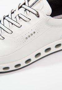 ECCO - COOL 2.0 - Zapatillas para caminar - white - 5