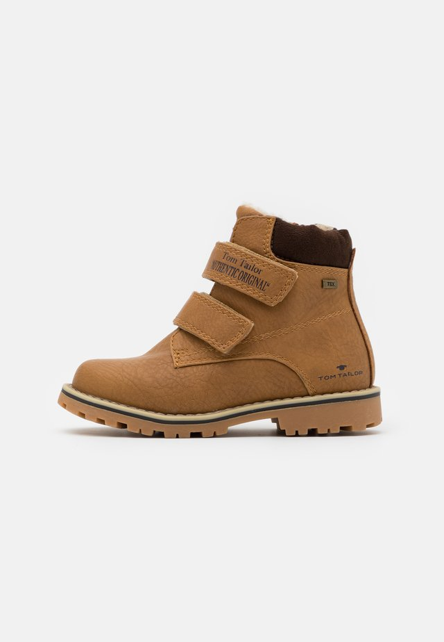 UNISEX - Winter boots - camel