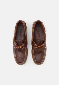 Sebago - DOCKSIDES PORTLAND  - Boat shoes - brown honey - 3