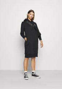 Converse - STAR CHEVRON DRESS - Kjole - black - 1