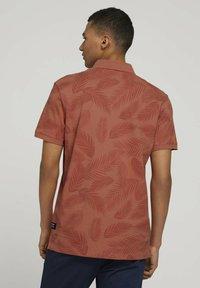 TOM TAILOR DENIM - Polo shirt - orange palm leaves print - 2