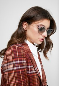 Ray-Ban - Sunglasses - transparent/grey - 3