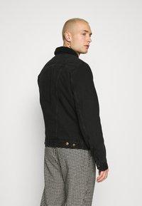 Wrangler - SHERPA - Light jacket - black washed - 2