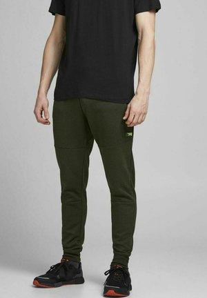 WILL JAIR - Pantaloni sportivi - deep lichen green
