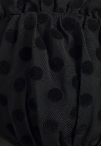 Missguided Tall - SPOT LONG SLEEVE BODYSUIT - Long sleeved top - black - 2