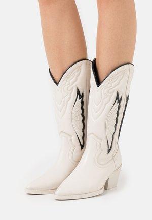 JUKESON - Stivali texani / biker - offwhite/black