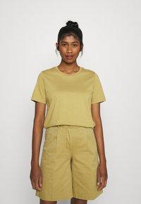 Minimum - KIMMA - Basic T-shirt - khaki/green - 0