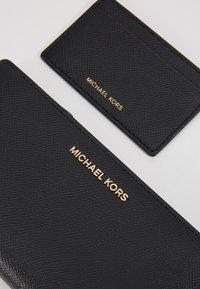 MICHAEL Michael Kors - Wallet - black - 2