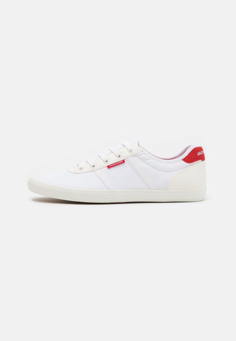 Jack & Jones - JFWLOGAN - Sneakersy niskie - white