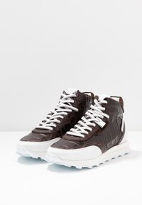 Kennel + Schmenger - ICON - High-top trainers - braun/bianco