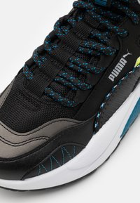 Puma - X-RAY 2 SQUARE MID WTR UNISEX - Baskets montantes - black/blue/fizzy yellow