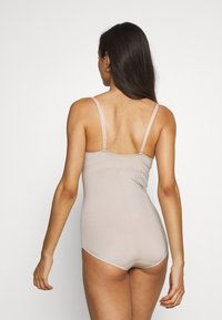 Marks & Spencer London - Body - almond - 2