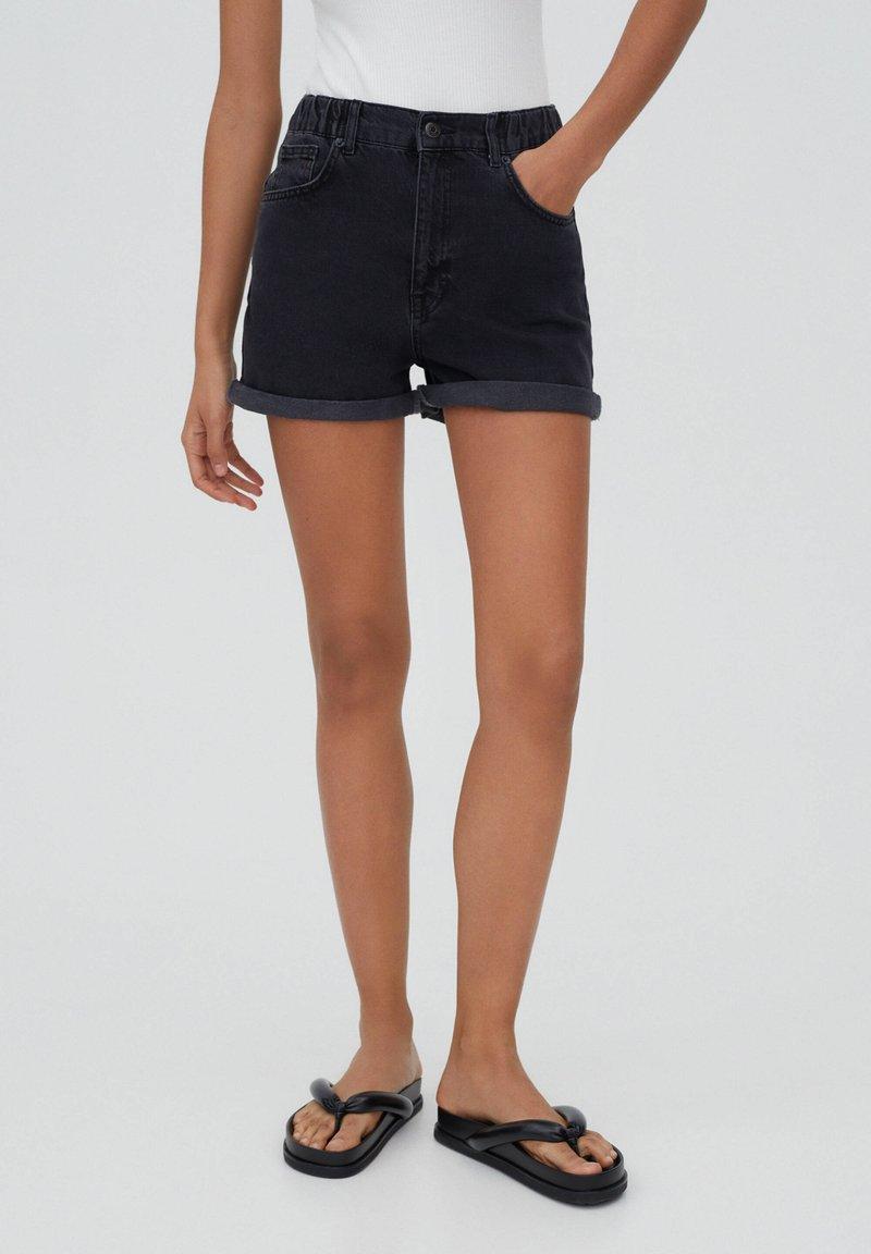 PULL&BEAR - Shorts di jeans - black