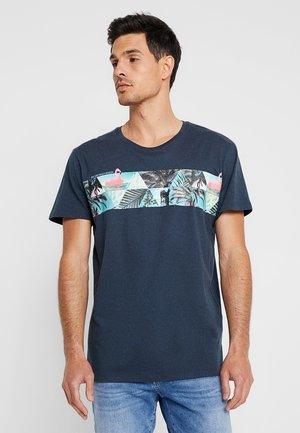 CHEST TEE - Print T-shirt - navy