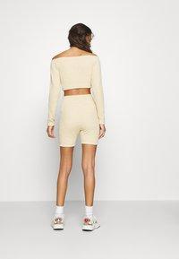 adidas Originals - Shorts - hazbei - 2