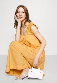 Vero Moda - VMLANIE DRESS - Vestido informal - cornsilk - 0