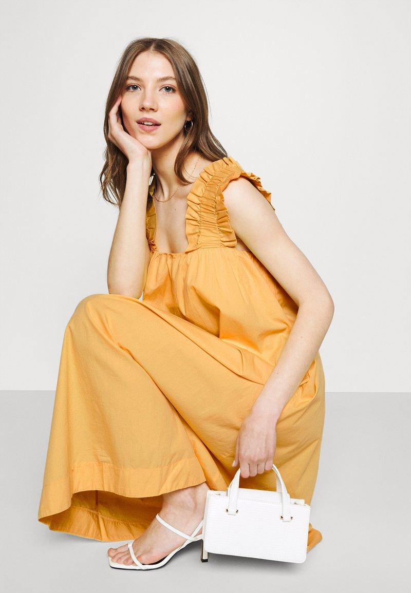Vero Moda - VMLANIE DRESS - Vestido informal - cornsilk