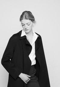 Theory - OVERLAY NEW DIVID - Short coat - black - 4