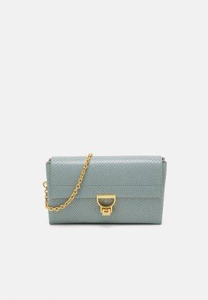 ARLETTIS SNAKE CROSSBODY BAG - Across body bag - cloud light blue