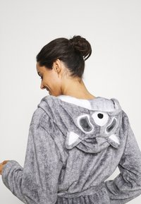 Loungeable - RACOON HOODED ROBE - Dressing gown - grey - 4