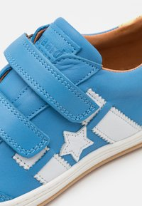 Bisgaard - JOHAN - Touch-strap shoes - sky blue - 5