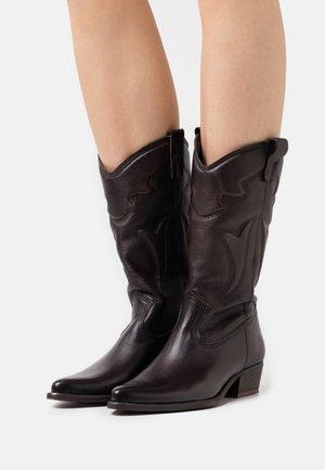 WEST - Cowboystøvler - brown