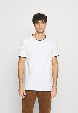 EBANKS - T-shirts basic - offwite