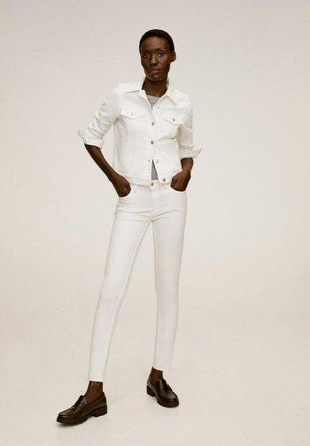 VICKY - Denim jacket - blanco