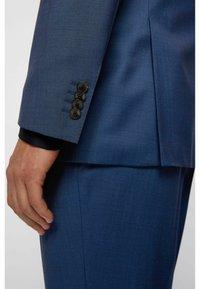 BOSS - Suit - open blue - 7