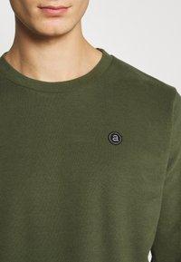 Anerkjendt - AKALLEN - Sweatshirt - cypress - 5