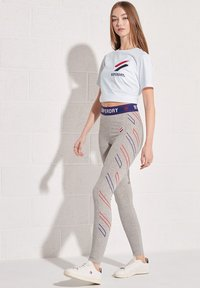 Superdry - CHENILLE  - Print T-shirt - optic - 0