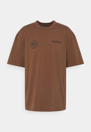 MIKE OVERSIZED TEE UNISEX - Triko spotiskem - vintage brown