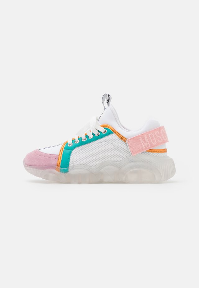 Sneakers laag - fantasy color