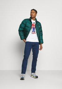 Nike Sportswear - TEE MANGA HYPEMAN - Print T-shirt - white - 1