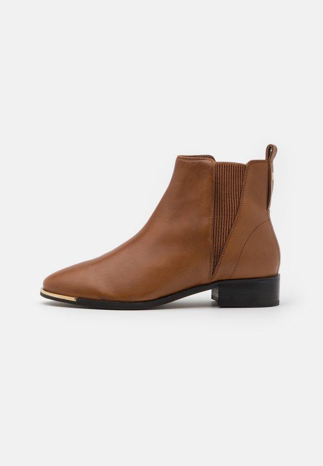 Kotníkové boty - light brown