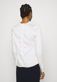 Who What Wear - COWL NECK LONG SLEEVE TOP - Blouse - cream - 2