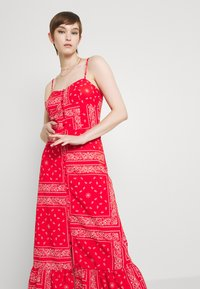Never Fully Dressed - RED BANDANA DRESS - Maxi dress - red - 3