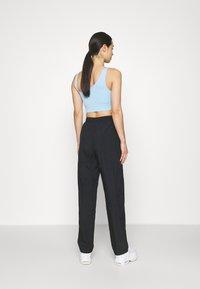 Nike Sportswear - AIR PANT - Joggebukse - black/white - 2