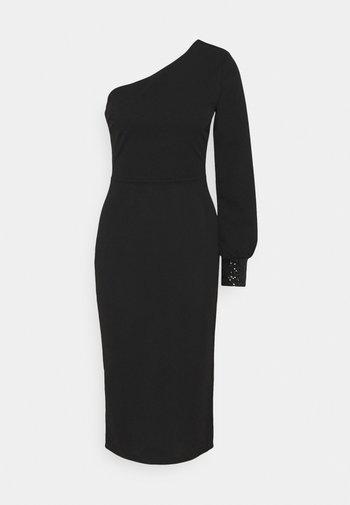 OLIVIA ONE SLEEVE MIDI DRESS - Fodralklänning - black