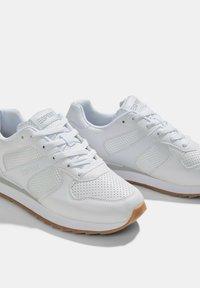 Esprit - Sneakers laag - white - 5