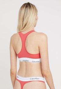 Calvin Klein Underwear - MODERN BRALETTE - Brassière - fire - 2