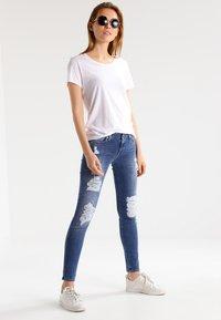 Zoe Karssen - ROUND NECK LOOSE FIT TEE - Basic T-shirt - optical white - 1
