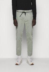 CLOSED - X-LENT  - Trousers - celadon green - 0