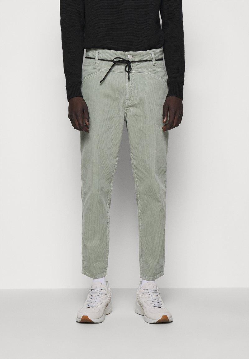 CLOSED - X-LENT  - Trousers - celadon green