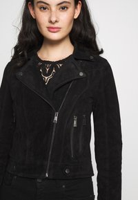 Vero Moda - VMROYCESALON SHORT JACKET - Leather jacket - black - 5