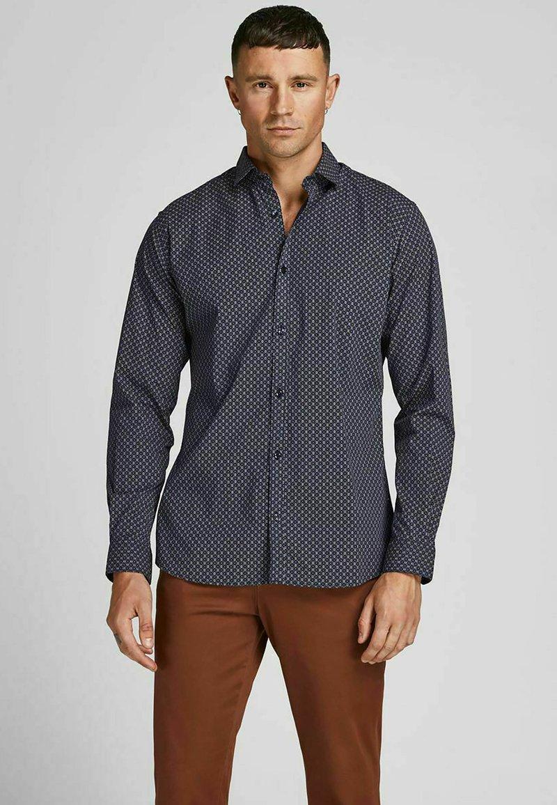 Jack & Jones PREMIUM - JPRBLABLACKPOOL STRETCH  - Formal shirt - navy blazer