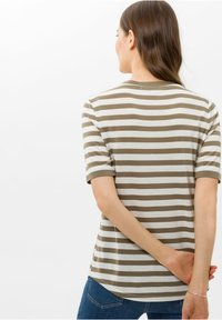 BRAX - STYLE COLETTE - T-shirt imprimé - khaki - 2