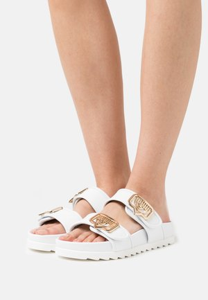 DOUBLE STRAP FOOTBED - Pantofle - white