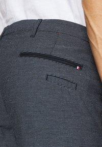 Tommy Hilfiger Tailored - FLEX SLIM FIT PANT - Kalhoty - black - 5