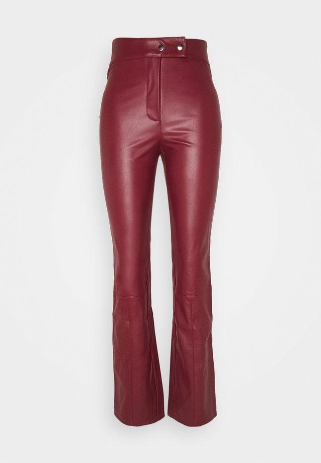 WAIST DETAIL FLARE LEG PANTS - Pantaloni - red wine